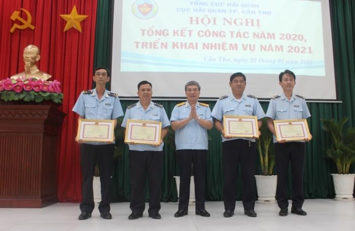 Hải quan TP Cần Thơ hỗ trợ doanh nghiệp vượt qua khó khăn
