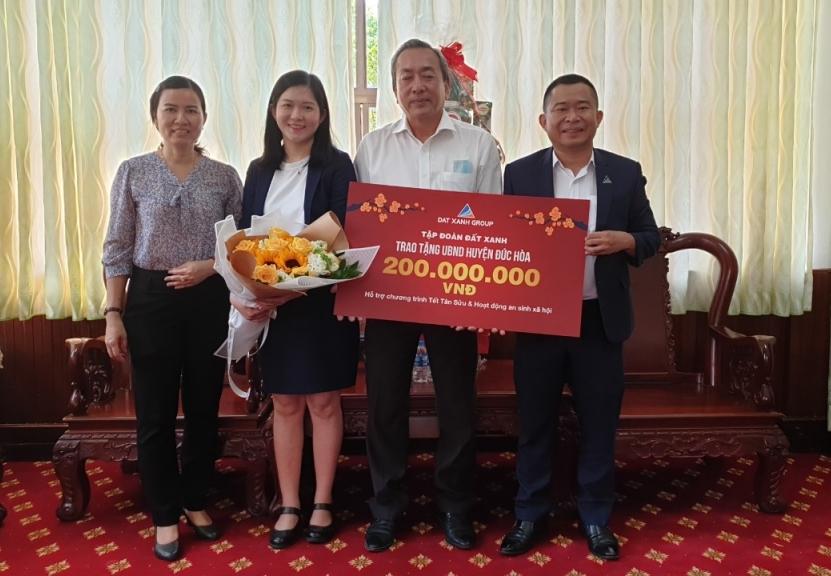 Tập đoàn Đất Xanh chung tay mang Tết đến bà con huyện Đức Hòa – Long An
