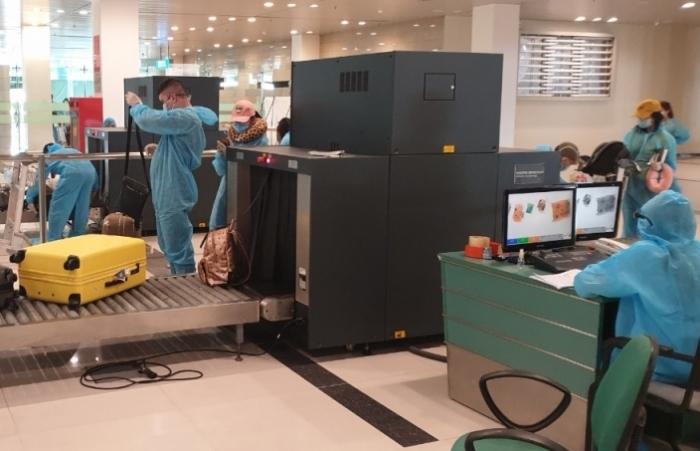 Sân bay Cần Thơ đón hơn 300 công dân Việt Nam về nước