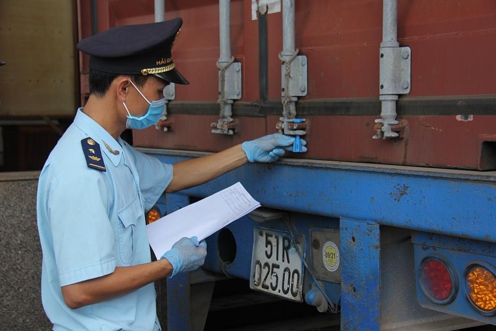 Chi cục HQCK Hoa Lư- Bình Phước vừa đảm bảo thông thường hàng hóa vừa phòng chống dịch