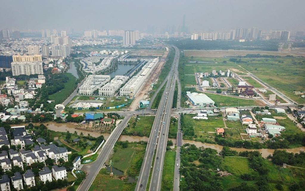 Nhiều dự án BĐS được triển khai nhanh và đồng bộ khi tuyến cao tốc Long Thành - Dầu Giây được xây dựng và đưa vào sử dụng