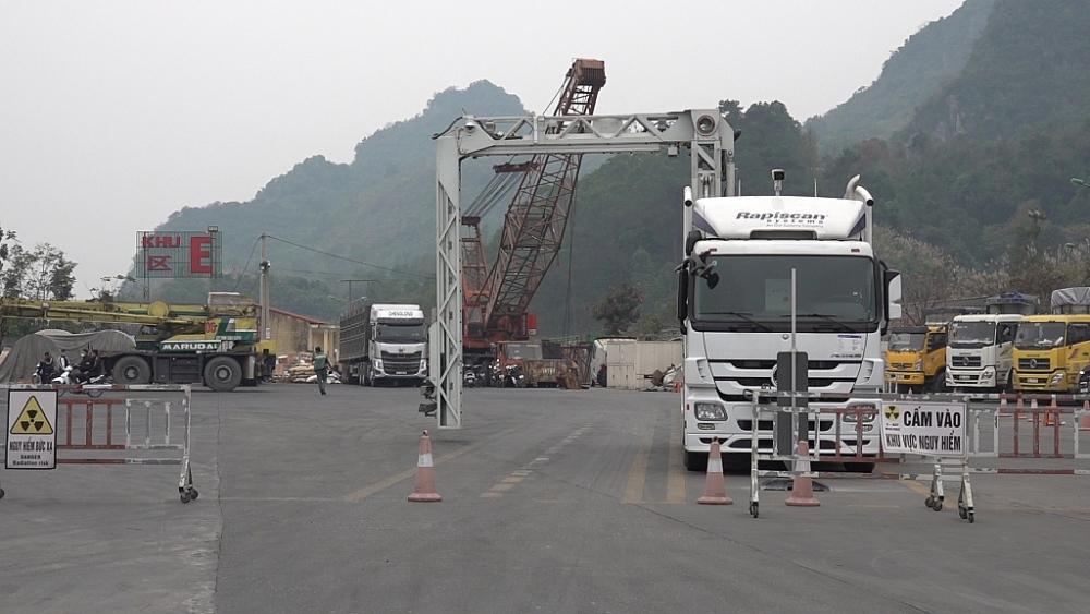 Hải quan Lạng Sơn nâng hiệu suất, hiệu quả soi chiếu hàng bằng máy soi container