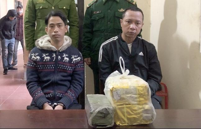 Hải quan Nghệ An phối hợp bắt 2 đối tượng cùng 3 kg ma tuý tổng hợp