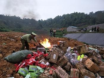 Lạng Sơn: Tiêu hủy 63 mặt hàng vi phạm trị giá gần 900 triệu đồng