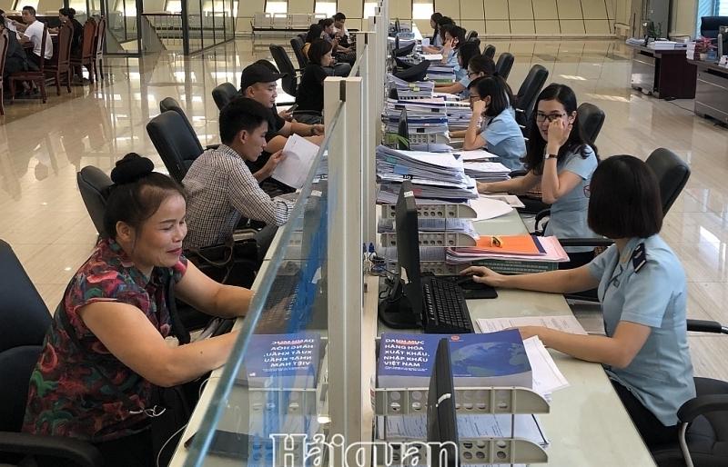 Hải quan Lạng Sơn ưu tiên tạo điều kiện thông quan hàng hóa, tăng thu ngân sách