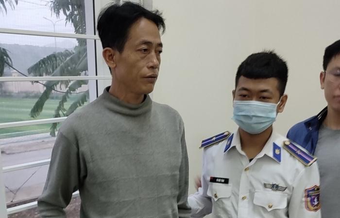 Cảnh sát biển bắt 2 đối tượng vận chuyển 2 bánh heroin