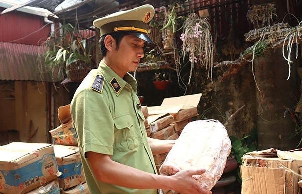 Lạng Sơn: Phát hiện kho đông lạnh chứa gần 2,5 tấn thực phẩm nhập lậu