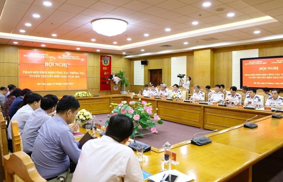 Cảnh sát biển phối hợp thông tin, tuyên truyền biển đảo với Ủy ban Biên giới quốc gia