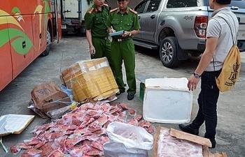 Mua 266 kg sụn, nầm lợn, chân gà mốc trên mạng xã hội để bán kiếm lời