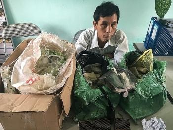 Hà Tĩnh: Bắt 2 đối tượng vận chuyển 80 kg thuốc nổ