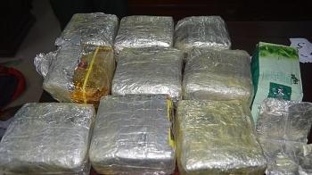Nghệ An: Bắt giữ đối tượng vận chuyển 10 kg ma túy tổng hợp