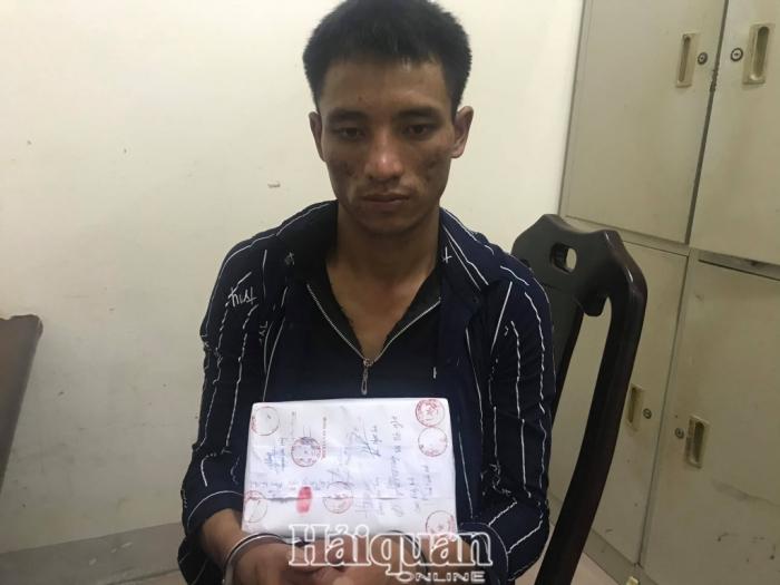 Hải quan Nghệ An bắt đối tượng vận chuyển 1 bánh heroin và gần 1 kg ma tuý tổng hợp