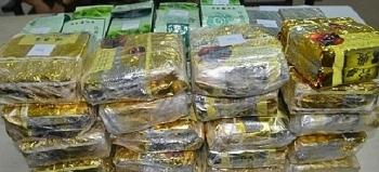 Nghệ An: Bắt 4 đối tượng vận chuyển 20 bánh heroin và 40 kg ma túy đá