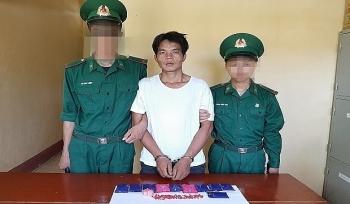 Biên phòng Thanh Hóa bắt quả tang đối tượng vận chuyển 1.920 viên ma túy
