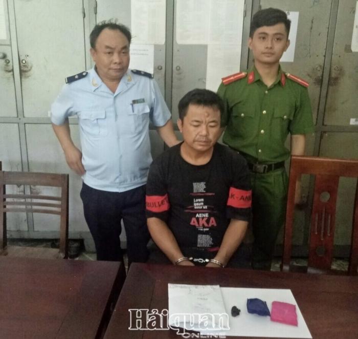 Hải quan Nghệ An bắt đối tượng vận trái phép ma tuý qua địa bàn