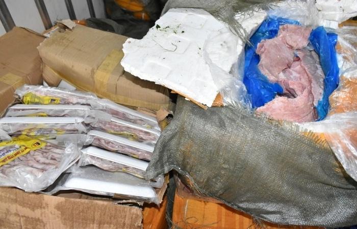 Bắt giữ 3 tấn nội tạng, thịt bò, thịt gà không rõ nguồn gốc tại Ninh Bình
