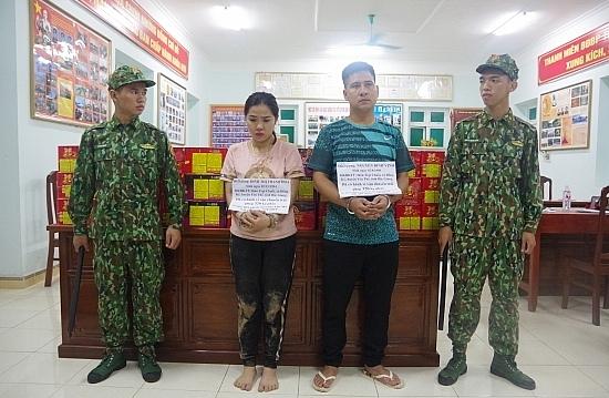 Lạng Sơn: Bắt 2 vợ chồng vận chuyển 320 kg pháo nổ