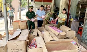 Hải quan Tân Thanh phối hợp thu giữ trên 7.000 sản phẩm đồ chơi