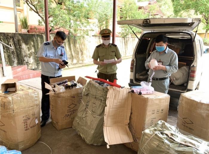 Lạng Sơn: Tạm giữ xác minh nhiều hàng hoá có dấu hiệu nhập lậu