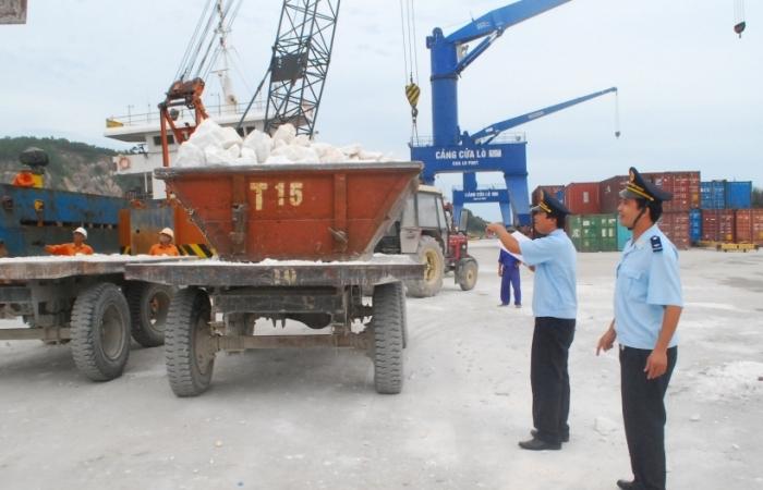 Hải quan tăng cường kiểm soát chặt chẽ hoạt động xuất khẩu khoáng sản