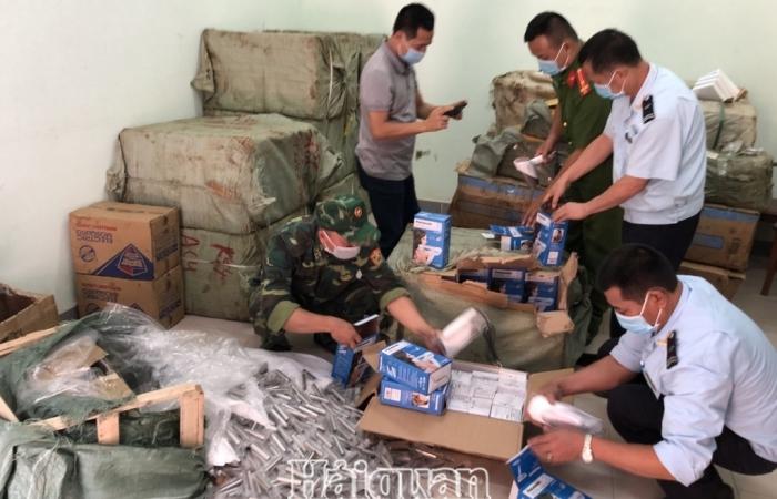 Hải quan Tân Thanh thu giữ, xác minh hàng hóa nghi vận chuyển trái phép