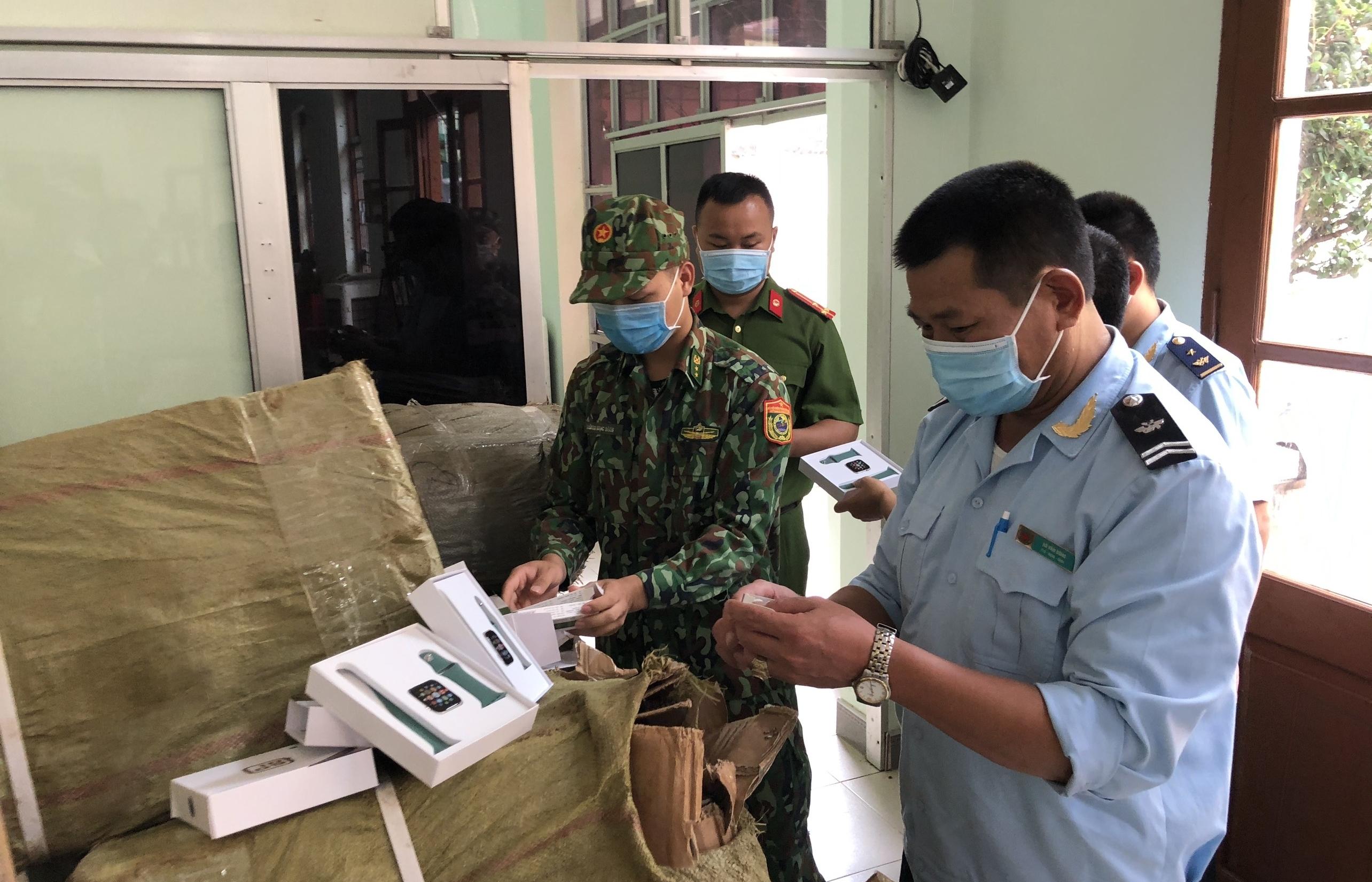 Hải quan Tân Thanh bắt giữ số lượng lớn điện thoại, linh kiện điện thoại