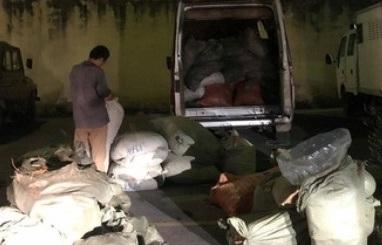 Lạng Sơn bắt giữ xe khách chở 1.483 kg thuốc bắc nhập lậu