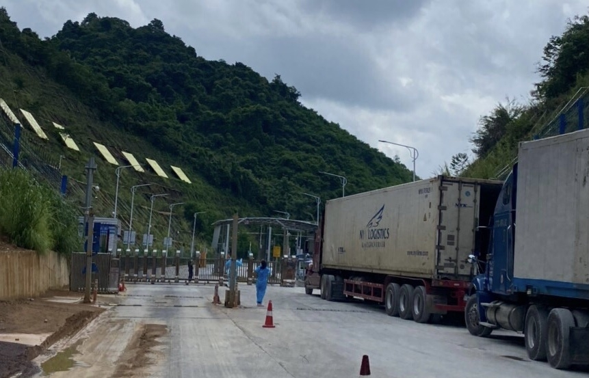Tích cực trao đổi sớm khôi phục hoạt động thông quan hàng tại cửa khẩu Tân Thanh và Cốc Nam