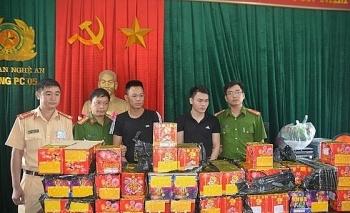 Nghệ An: Bắt 2 đối tượng đang vận chuyển 126 kg pháo nổ