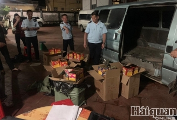 Hải quan Tân Thanh bắt giữ 150 kg pháo nổ