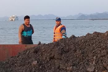 Cảnh sát biển tạm giữ tàu chở 1.000 m3 than không rõ nguồn gốc