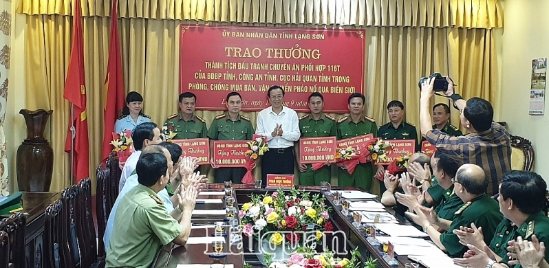 lang son khen thuong cac luc luong pha thanh cong chuyen an phao no va ma tuy