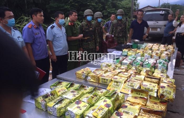 Hải quan Hà Tĩnh: Phát hiện 98 kg ma túy giấu trong 5 pho tượng gỗ