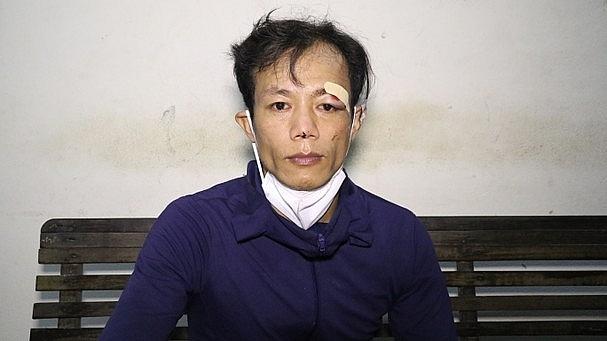 Đối tượng Nguyễn Xuân Dũng khi bị bắt giữ. Ảnh: CA TP Vinh