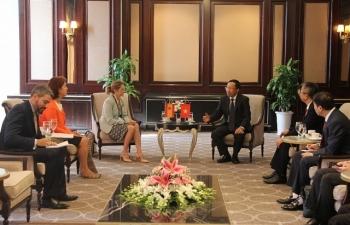 Tổngcục trưởng Nguyễn Văn Cẩn tiếp xã giao Tổng cục trưởng Hải quan Tây Ban Nha