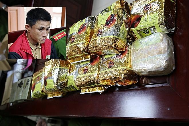 Nguyễn Văn Nghĩa cùng số ma túy bị bắt giữ.