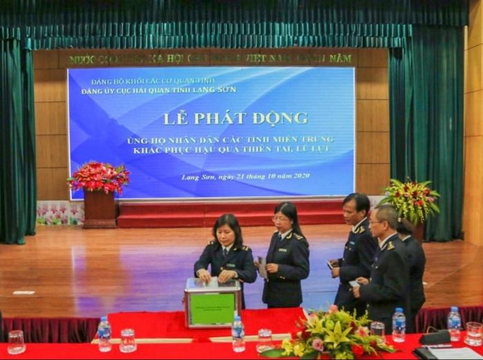 Hải quan Lạng Sơn hướng về nhân dân vùng lũ miền Trung