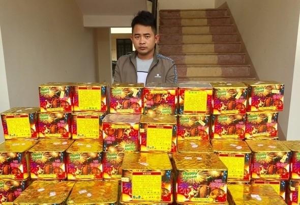 Nghệ An: Bắt đối tượng sử dụng ô tô bán tải vận chuyển 151 kg pháo