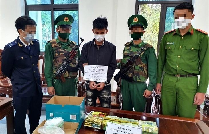 Hải quan Hà Tĩnh phối hợp bắt 4 kg ma túy tổng hợp