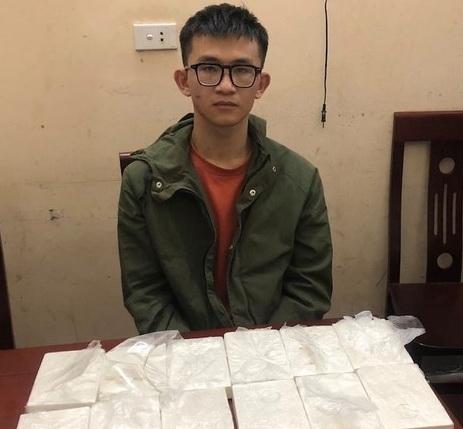 Phá chuyên án - bắt 2 đối tượng vận chuyển 12 bánh heroin