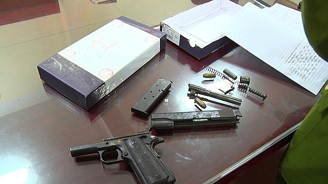 Lạng Sơn: Bắt 2 đối tượng thu giữ 2 bánh heroin và 1 khẩu súng