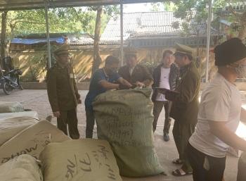 Lạng Sơn: Thu giữ lô hàng lậu trị giá trên 200 triệu đồng chờ xác minh