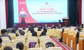 Hải quan Nghệ An đối thoại với gần 200 doanh nghiệp XNK
