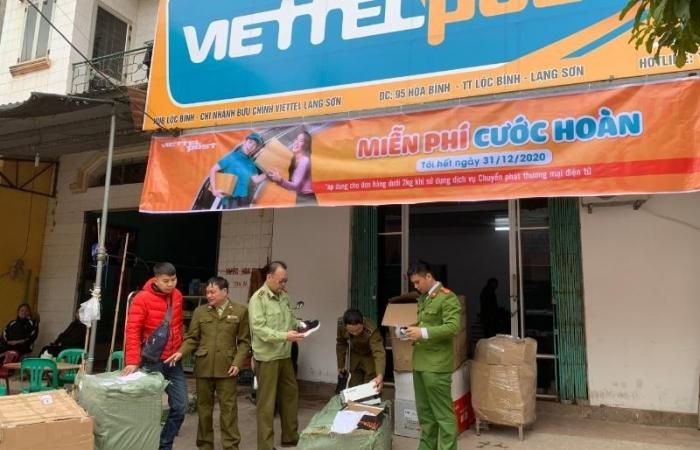 Điểm giao nhận ViettelPots nhận vận chuyển 220 đôi giày không chứng từ