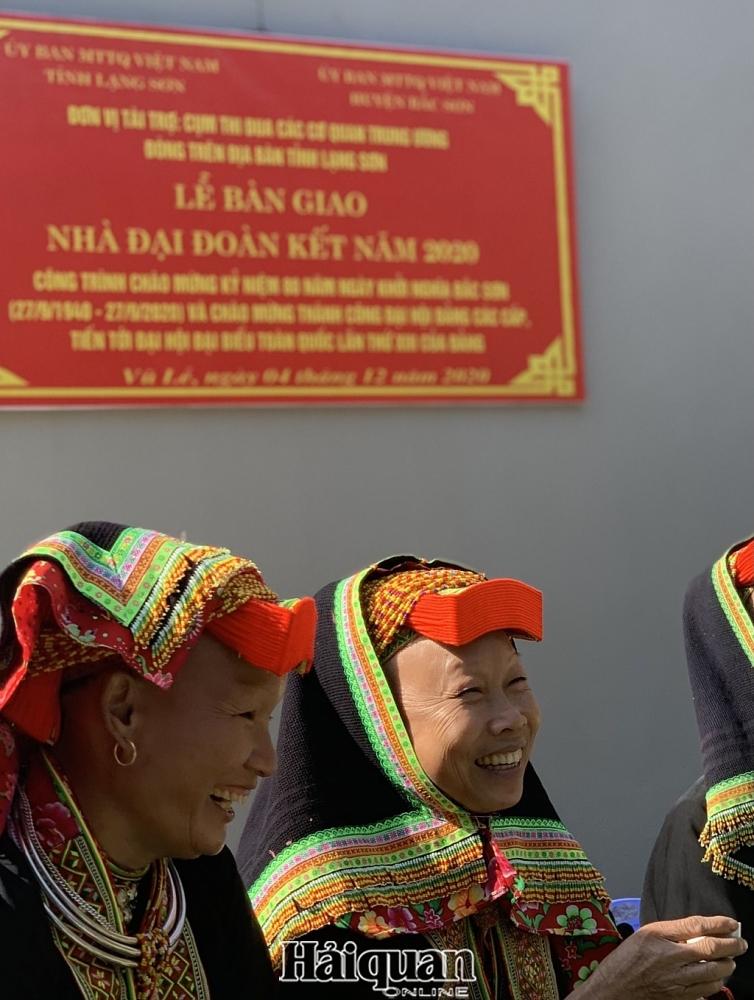 Hải quan Lạng Sơn chung tay trao tặng nhà Đại đoàn kết cho gia đình khó khăn