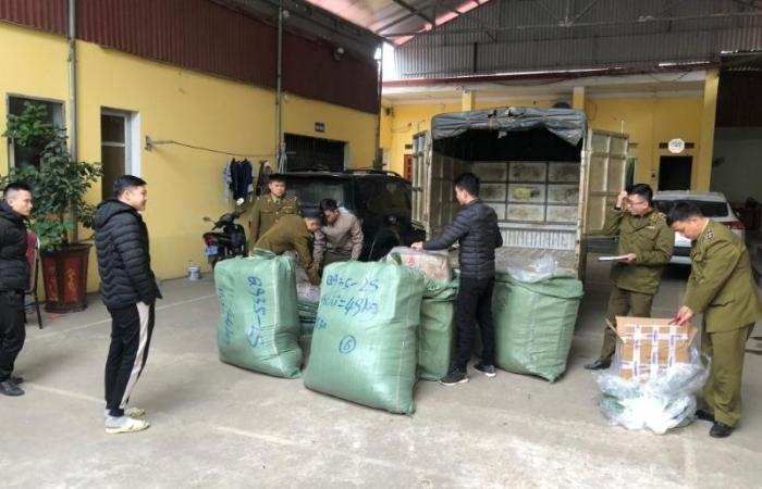 Mỹ phẩm, hàng may mặc nhập lậu ùn ùn qua địa bàn Lạng Sơn
