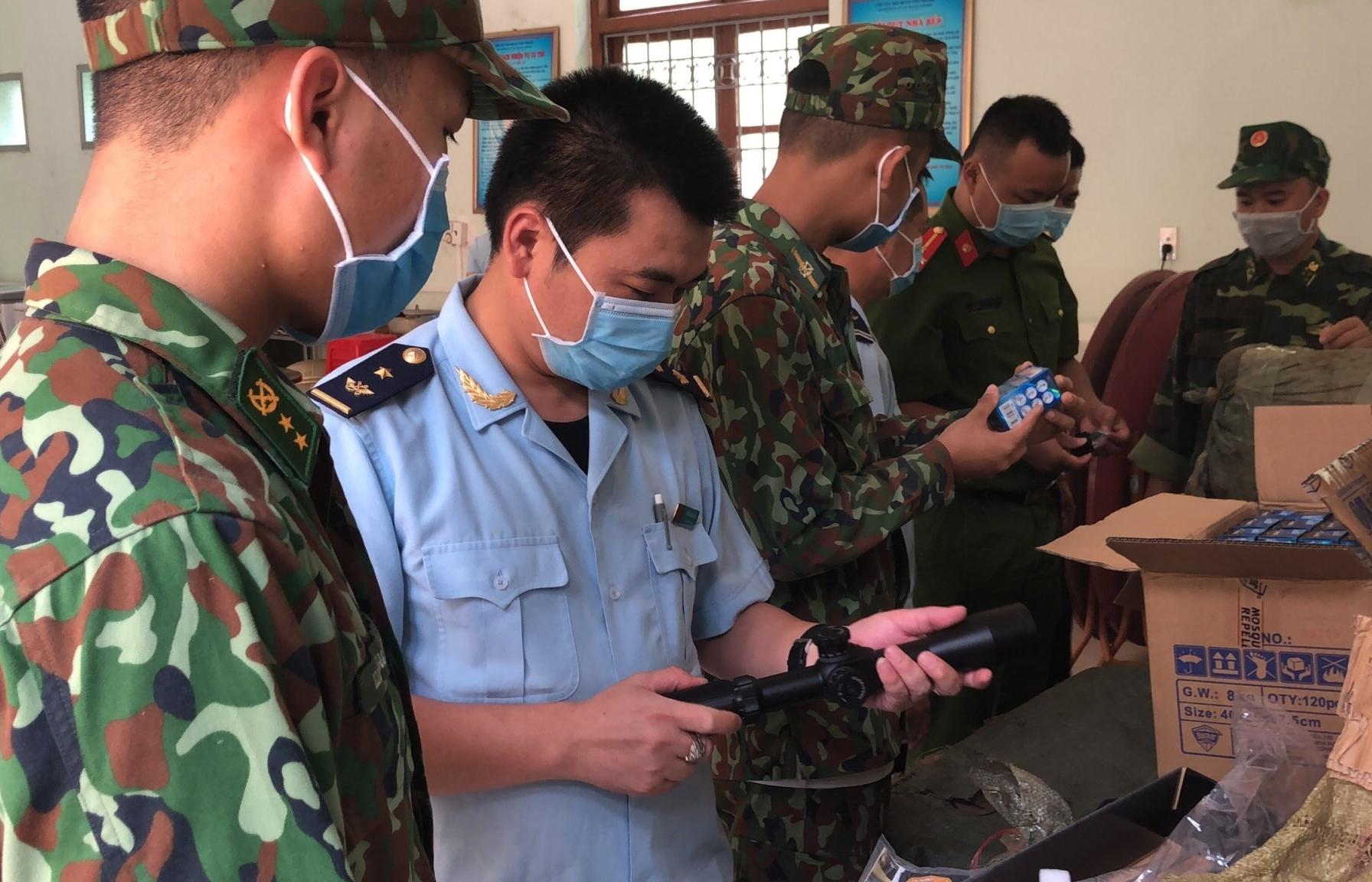 Hải quan Lạng Sơn nộp ngân sách gần 500 triệu đồng từ chống buôn lậu