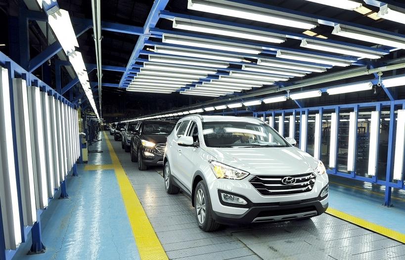 Chốt năm Covid nhiều khó khăn, thị trường ô tô tăng trưởng âm 8%