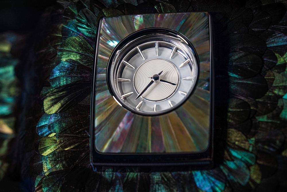 Ngắm nhìn Rolls-Royce Phanto Iridescent Opulence được trang trí bằng 3.000 lông chim