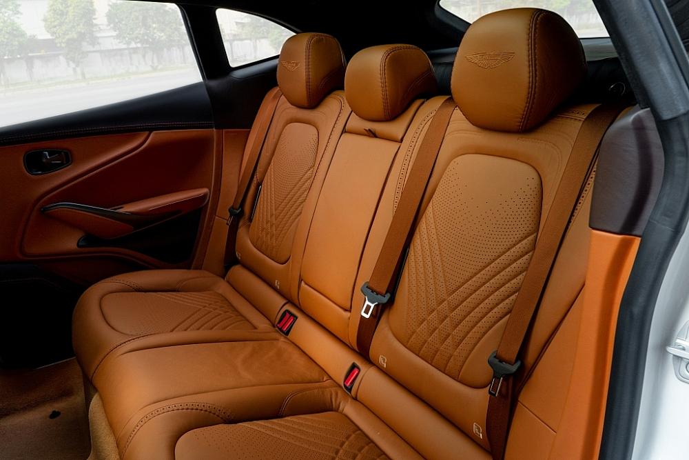 DBX, siêu SUV huyền thoại của Aston Martin đã có mặt tại Việt Nam